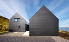 Colbost House: Dualchas Architects reinvent the Scottish black shed on the Isle of Skye Residential Architecture, Contemporary Architecture, Architecture Design, Architecture Wallpaper, Scandinavian Architecture, Black Shed, Black House, Island Of Skye, Larch Cladding