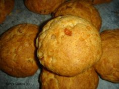 Betty's Cuisine: Τυροπιτάκια στη στιγμή Savoury Baking, Savoury Pies, Those Recipe, Greek Recipes, Muffin, Healthy Recipes, Healthy Food, Good Food, Food And Drink