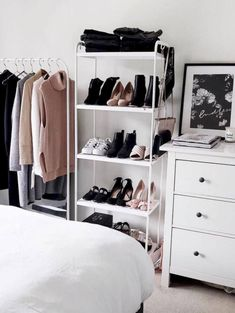 Awesome 45 Simple Tiny Apartment Shoe Storage Ideas On A Budget. More at https://trendecor.co/2018/05/29/45-simple-tiny-apartment-shoe-storage-ideas-budget/