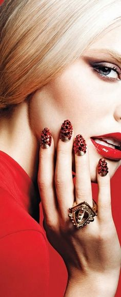 Jadranka & Beautiful world Chic Nails, Glam Nails, Beautiful Lips, Beautiful World, Red Makeup, Beauty Makeup, Lipstick Style, Perfect Red Lips, Glossy Lips