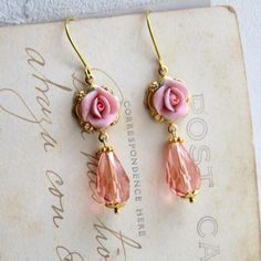 Boucles d'oreilles victoriennes roses et cristal - boucle d oreille percée - lilibulle - Fait Maison