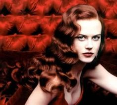 Nicole Kidman in her Moulin Rouge wig. Top Hollywood wig styles.