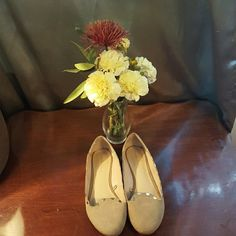 Zara tan flats ! Zara basic tan flats! In great condition!. Comes with dust bag!:) Zara Shoes Flats & Loafers