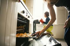 What is a convection oven? Find out how to use your convection oven and how to convert your recipes.