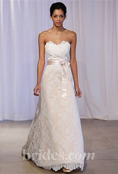 Seven major trends surfaced from the Fall 2013 wedding dress collections, some of which were anchore