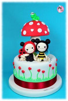 ladybug & bee cake, coccinelle, api, modelling, cake design / pasta di zucchero / sugar paste