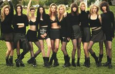 Daria Werbowy, Lara Stone, Kate Moss, and Amanda Murphy photographed by Mert and Marcus for W Magazine September 2014 90s Grunge, Grunge Outfits, Grunge Boots, Grunge Style, Image Fashion, Foto Fashion, Fashion Week, Fashion 2014, Fashion Group