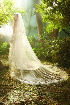 Princess Rapunzel wedding veil, from the Disney's Fairy Tale Weddings by Alfred Angelo collection - Style 104 #wedding #veil