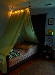 20 Creative And Simple Diy Bedroom Canopy Ideas On A Budget