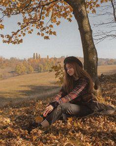 Fashion Photography Poses, Photography Pics, Autumn Photography, Travel Photography, Autumn Instagram, Autumn Scenes, Autumn Aesthetic, Instagram Pose, Winter Photos