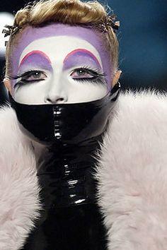 Christian Dior Fall 2003 Ready-to-Wear Fashion Show - Michelle Alves, John Galliano John Galliano, Galliano Dior, Kids Makeup, Makeup Art, Eye Makeup, Makeup Inspo, Makeup Inspiration, Makeup Geek, Makeup Ideas