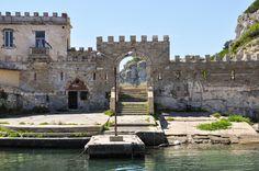Il Porto Vecchio dell'Isola di #Pianosa #essenzadiunisola #acquadellelba #profumodelmare