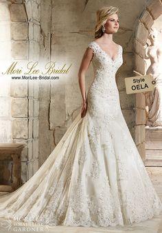 Style OELA /  Colores Disponibles: White    •Ivory    •Ivory/Coco  / Precio: $6.134.400 Pesos Colombianos*  / $2.272 Dólares Americanos