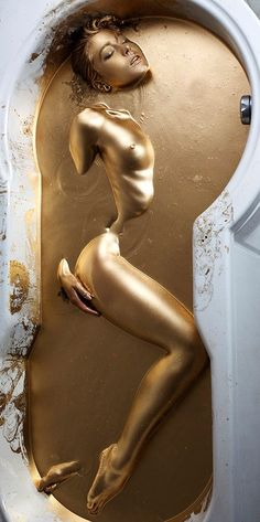 forget Cleopatra's milk bath, how about a Gold bath?! ; ) (via domenico La Pietra on Google+)