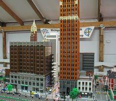 N Scale Buildings, Minecraft Buildings, Lego City Sets, Star Trek Starships, Lego Modular, Lego Architecture, Minecraft Ideas, Cool Lego, Lego Building
