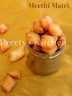 Preety's Kitchen: Meethi Matri / Indian Sweet Snack Crackers ( With Step By Step Pictures) Indian Dessert Recipes, Indian Sweets, Indian Snacks, Indian Recipes, Punjabi Recipes, Baby Food Recipes, Sweet Recipes, Snack Recipes, Cooking Recipes