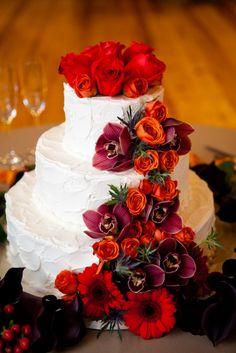 Fall inspired wedding cake with fresh flowers - Repinned by Every Bloomin' Thing #IowaCityFlorist #IowaCityWedding