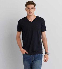 American Eagle Men's Legend Regular Fit V-Neck Black T-Shirt - many sizes American Eagle Shirts, Mens Outfitters, V Neck T Shirt, Lounge Wear, American Eagle Outfitters, Clothes For Women, Tees, Mens Tops, Black