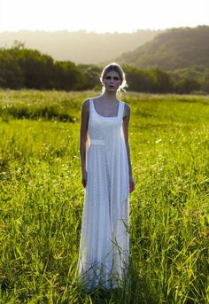 Inspirational Gowns for an Outdoor Wedding by Amanda Wakeley - Plan with Fran, featured on hitched.co.uk