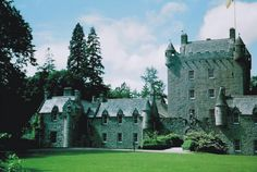 clan gregor castles | and site of the execution of Gregor Roy MacGregor in 1570.