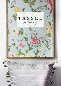 Tassel Pillow DIY @Orsi el kéne kezdeni gyártani ezeket a kis bojtokat :-) Kell majd belőle jó sok! :-)))