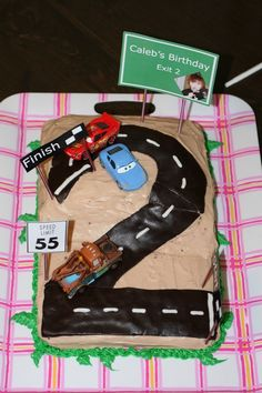 disney boy cake | ... cakes. I settled on a Disney Cars themed cake. Four birthday cakes