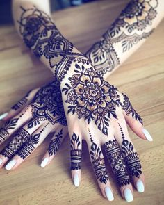 Henna Artist available for events and appointments in San Diego, OC and LA. Purchase henna supplies and get trained in henna artistry! Pretty Henna Designs, Indian Henna Designs, Floral Henna Designs, Bridal Henna Designs, Mehndi Designs For Fingers, Latest Mehndi Designs, Henna Tattoo Designs, Dulhan Mehndi Designs, Mehendi