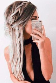 Pretty Holiday Hair Ideas for Party ★ See more: http://glaminati.com/pretty-holiday-hair-ideas-party/