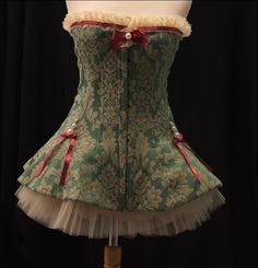 corset - I really want one of these  I have no idea what it would be called though,....hmmm..HELP FRIENDS, HELP