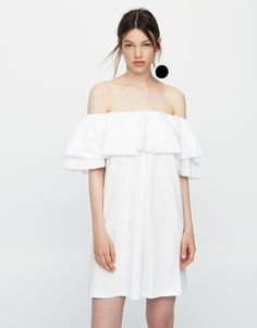 Vestido decote folhos ombros descobertos - Mini - Vestidos - Vestuário - Mulher - PULL&BEAR Portugal