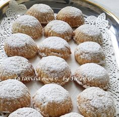Cookie Decorating, Hamburger, Bread, Cookies, Desserts, Food, Macedonian Food, Greek Recipes, Biscuits