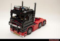 Scania 143 Streamline V8 in Lego 1:13 scale