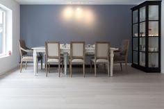 Parkett Eik Grey Shadow børstet matt Floors, Conference Room, Table, Furniture, Design, Home Decor, Home Tiles, Flats, Decoration Home