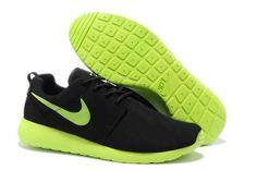 Scarpe Boutique Nike ROSHE ONE SUEDE W Sneakers Grigio