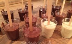 Print Drinking chocolate at the Stiehl is not only on everyone's lips, but there are … - Crafts For Christmas Christmas Hacks, Christmas Mood, Diy Christmas Gifts, Chocolate Spoons, Chocolate Gifts, Christmas Chocolate, Food Gifts, Diy Gifts, Presents For Kids