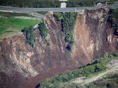 AMAZING Massive Landslide in the world | Massive Landslide caught on cam...