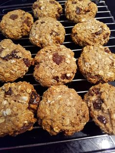 These Honey Sultana & Oat Cookies Are Healthy And Delicious Healthy Mummy Recipes, Healthy Snack Bars, Healthy Cookies, Healthy Cake, Healthy Baking, Baby Food Recipes, Sweet Recipes, Baking Recipes, Whole Food Recipes