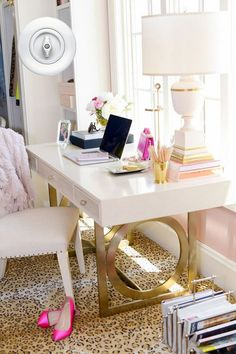 Lindo home office Glam