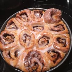 Frozen bread dough makes homemade cinnamon rolls a breeze. Breakfast Dishes, Breakfast Recipes, Sweet Breakfast, Brunch Recipes, Dessert Recipes, Frozen Bread Dough, Rolls Recipe, Cinnamon Rolls, Coco
