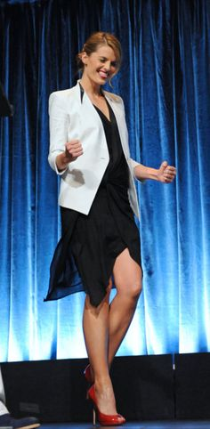 love the shoes, love the blazer. Stana, you're a life-ruiner.