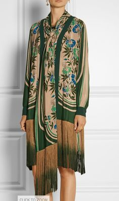 Anna Sui green floral crepe coat with fringe Victor Hugo, Anna Sui Dresses, Vintage Coat, Modest Dresses, Passion For Fashion, Editorial Fashion, What To Wear, Ready To Wear, Vintage Outfits