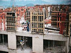 Como funcionam os certificados e os fundos imobiliários?   Mais Informações:  Corretores de plantão. Ligue 33140800 ou acesse www.iperimoveis.com.br