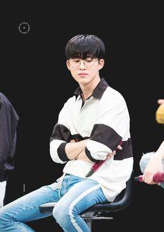 Cr : on pict Yg Ikon, Chanwoo Ikon, Kim Hanbin, Ikon Leader, Winner Ikon, Jay Song, Ikon Debut, Ikon Wallpaper, Amor