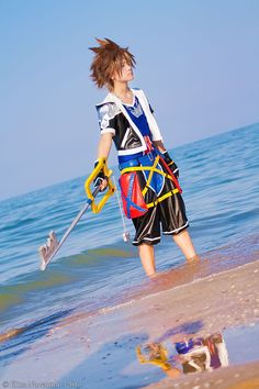 Sora - Kingdom Hearts II by oShadowButterflyo on DeviantArt Kingdom Hearts Hd, Kingdom Hearts Cosplay, Awesome Cosplay, Best Cosplay, Alter Ego, Cosplay Outfits, Cosplay Girls, Funny Disney, Love Games