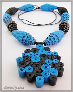 Quilling - Handmade Paper Necklace - Black & Azure Circles (2) | Flickr: Intercambio de fotos