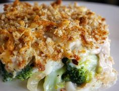 Chicken and Broccoli Bake: 390 Kcals Per Serving Yummy Chicken Recipes, Yum Yum Chicken, Broccoli Bake, Pitta, Light Recipes, Macaroni And Cheese, Sandwiches, Curry, Dishes