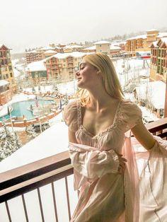 Elle Fanning - Sundance 2017 - http://www.vogue.com/article/elle-fanning-sundance-film-festival-2017-beauty-photo-diary