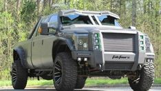 I really adore this design for this lifted ford truck Lifted Chevy Trucks, Ford Trucks, Pickup Trucks, Costume James Bond, Tactical Truck, Classic Car Insurance, Powerstroke Diesel, Performance Engines, Diesel Performance