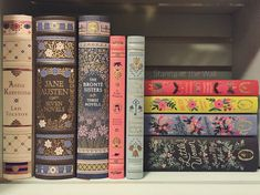 Classic Book Collection // Explore my knitting shop :] I Love Books, Books To Read, Book Spine, Lectures, Book Aesthetic, Book Collection, Classic Collection, Book Nooks, Book Photography