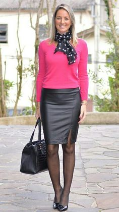 Women's Fuchsia Knit Sweater, Black Leather Pencil Skirt, Black w. Office Outfits, Mode Outfits, Skirt Outfits, Sexy Skirt, Dress Skirt, Mode Pop, Tight Leather Pants, Pantyhose Outfits, Leather Dresses
